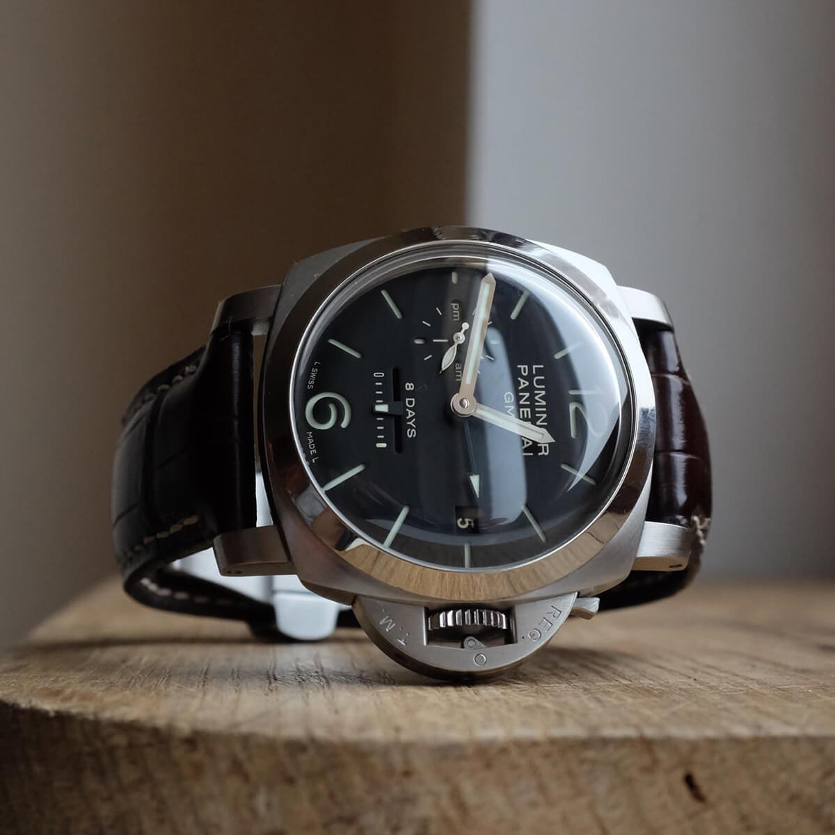 Officine Panerai Luminor 1950 GMT 8 Days