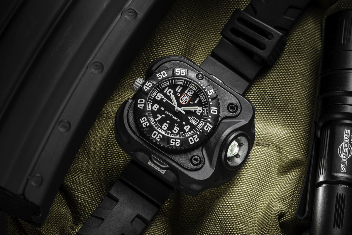 Luminox SureFire 2211 WristLight